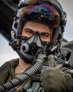 """1,152 Me gusta, 21 comentarios - 🇧🇪 (@ross_impress) en Instagram: """"🇧🇪Belgian Air Force F-16 pilot from the 350sqn. . . #f16 #mightyviper #viper #aviation…"""" Military Flights, Black Leather Biker Jacket, F 16, Fighter Aircraft, Viper, Air Force, Army, Instagram, Fighter Pilot"""