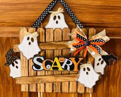 Dollar Tree Halloween, Halloween Arts And Crafts, Dollar Tree Crafts, Halloween Activities, Halloween Projects, Diy Halloween Decorations, Halloween Blocks, Fall Projects, Fall Crafts