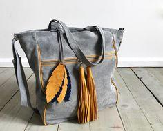 BigBag Midi Fringe Valour Leather + Feathers