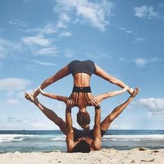 """5,803 gilla-markeringar, 49 kommentarer - SJANA ELISE EARP // YOGA (@sjanaelise) på Instagram: """"Took a drive on the beach and then started mucking about with some beach acro yoga with my brother…"""""""