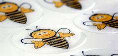 Pszczółki dla firmy Nikon to wyjątkowy przykład naklejek 3D.