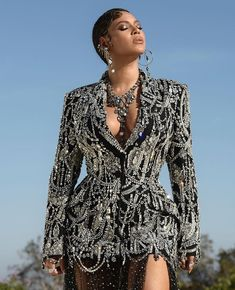 Beyoncé tipped to win her first Oscar just hours after releasing new Lion King single Spirit Beyonce 2013, Beyonce Knowles Carter, Beyonce And Jay, Beyonce Beyonce, Jay Z, Style Beyonce, Divas, King B, African Tops
