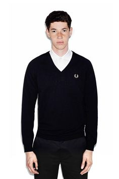 Fred Perry Lambswool V-Neck Jumper Black / Champagne