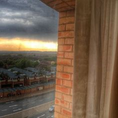 Looking forward to flying off to my biggest travel love Jozy tonight.... Hoping for some spectacular sunsets, just as this one    #southafrica #mylove #rainclouds #weather #sunset #beautiful #joburg #johannesburg #brickwall #traveltheworld #instamoment #instatravel #travelporn #natureporn #reisenbildet #lovelife #lovemyjob