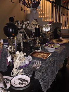 Adult Halloween Birthday Party, Creepy Halloween Party, Halloween Party Themes, Outdoor Halloween, Diy Halloween Decorations, Halloween House, Halloween Crafts, Halloween Costumes, Halloween Ideas