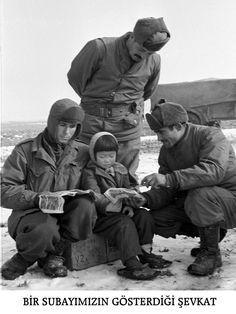 Orphan Korean Girl & Turkish Soldiers