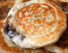 Sweet pancakes with brown sugar syrup filling (Hotteok)