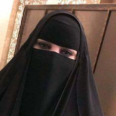 Turkish Women Beautiful, Beautiful Muslim Women, Beautiful Hijab, Arab Girls Hijab, Girl Hijab, Muslim Girls, Cute Eyes, Pretty Eyes, Desi Girl Image