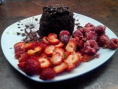 This healthy chocolate mug cake with berries is suitable for diabetics beacause it is  sweeten only with fructose. You need only 1 egg,  2 soup spoons of curd cheese, 1 tea spoon of cacao, 1 square of honest chocolate, 2 - 3 soup spoons of flakes and 1 tea spoon of honey. Bake it in microvave oven for 2,5 - 3 minutes and decorate! :-)