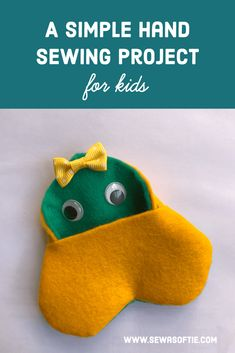 A simple hand sewing project for kids Simple Hand Sewing Projects For Kids, Crafts For Kids To Make, Sewing Projects For Beginners, Fun Crafts, Gifts For Kids, Heart Projects, Kid Experiments, Felt Hearts, Free Sewing