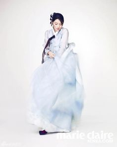 Lee Young Ae Is Graceful In A Hanbok For Marie Claire Korea's February 2014 Issue Korean Traditional Clothes, Traditional Fashion, Traditional Dresses, Korean Dress, Korean Outfits, Modern Hanbok, Lee Young, Korean Wedding, Cute Korean