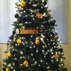 Steelers Christmas Tree I want the snowman to go with the rest of ...