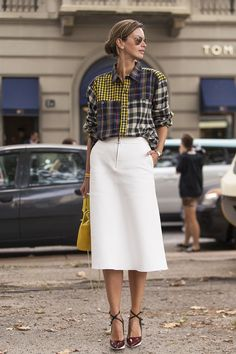 Clara Racz In Milano Printed shirt. White full skirt. Fashion week