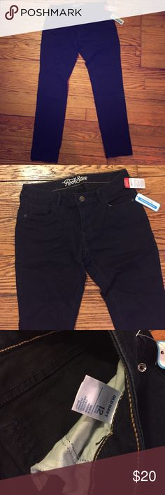 Old Navy Rockstar skinny dark blue jeans NWT Old Navy Rockstar skinny dark blue jeans. Old Navy Jeans Skinny