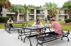 Dyson House - Savannah ....again, why didn't I go to school here :-(  and sit outside with the palm trees and do art :-)
