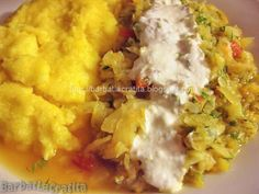 Varza calita cu mamaliguta reteta Romanian Recipes, Romanian Food, Frugal, Mashed Potatoes, Zero, Dishes, Cooking, Ethnic Recipes, Kitchens