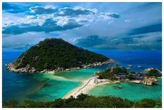 Nang Yuan island, Ko Tao, Thailand. 3 mini islands connected by sand banks. Surrounded by some of the best coral reefs in the country, making it one of the most popular spots for diving and snorkeling.