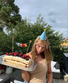 Estilo Beyonce, Bday Girl, Teenage Girl Birthday, Nyc, Its My Bday, Photo Dump, Summer Aesthetic, My Vibe, How To Pose