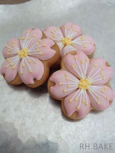 Cherry blossoms cookies - RH. BAKE | Cookie Connection