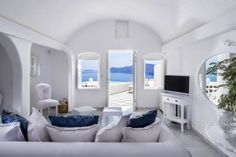 Glittering like a bright white gem on the coast of the Caldera, host a bash at this boutique hotel in Santorini.