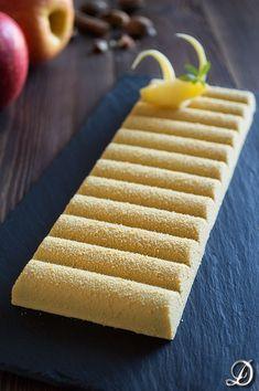Turrón inspirado en la Tarta de Manzana Chocolates, Chocolate Art, Pastry Cake, Fancy Cakes, Apple Pie, Food And Drink, Cupcakes, Sweets, Cooking