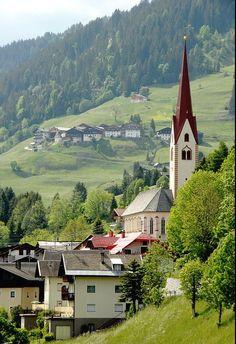 Lesachtal-Sankt Lorenzen AUT K Innsbruck, Salzburg, Carinthia, Beautiful Places, Amazing Places, Wedding Locations, Austria, The Good Place, Eco Friendly