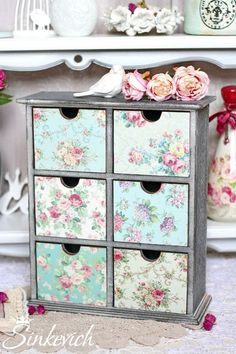 Decoupage Furniture, Recycled Furniture, Shabby Chic Crafts, Shabby Chic Decor, Handmade Crafts, Diy Crafts, Jewelry Box Makeover, Shabby Chic Antiques, Sewing Room Organization