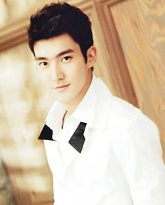 siwon [of super junior]  love a man in a white shirt like that