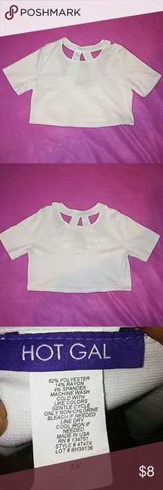 Hot Gal crop top These crop are very versatile can be dressed up of down. Never been worn. Can be paired with many things. I have it in black and white. Hot gal Tops Crop Tops