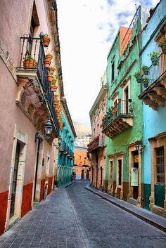 Typical colonial street in Guanajuato, Mexico (by kingdigitalmedia). #travel