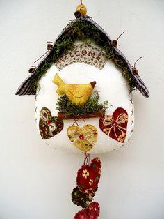 Casa de passarinho by Taninha patch, via Flickr