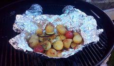 Jak na šťavnatou grilovanou zeleninu v alobalu Nasu, Potato Salad, Potatoes, Cheese, Ethnic Recipes, Food, Potato, Essen, Meals
