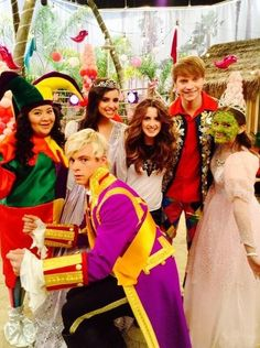 A&A love how everyone is smiling and then there is Ross!