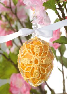 Easter Eggs, Easter Baskets, Candy, you name it! Crochet Ornaments, Crochet Crafts, Thread Crochet, Free Crochet, Holiday Crochet, Easter Crochet, Easter Egg Crafts, Easter Eggs, Spring Crafts