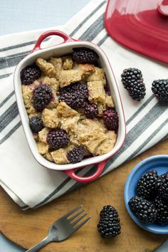 Blackberry Bread Pudding #blackberry #breadpudding #healthy Blackberry Raspberry Recipes, Blackberry Bread, Berries, Pudding, Yummy Food, Meals, Healthy, Breakfast, Desserts