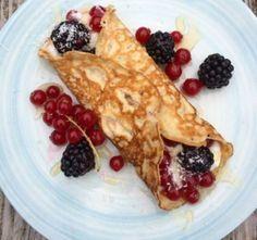 Koolhydraat arme pannenkoeken voor de ontspannen ochtend Go For It, Coffee Dessert, Good Healthy Recipes, Healthy Food, Pancakes, Galette, Fabulous Foods, Desert Recipes, Love Food