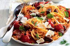 Ostré těstoviny s rajčátky a olivami Healthy Recipes, Healthy Food, Spaghetti, Toast, Ethnic Recipes, Healthy Foods, Healthy Eating Recipes, Healthy Eating, Healthy Food Recipes