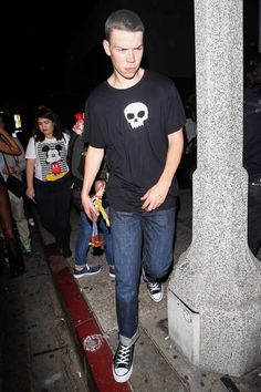 Will Poulter as Sid from Toy Story - SmelliFish - Daily Funny Pics, Funny Jokes, Viral Videos Will Poulter, Great Halloween Costumes, Hallowen Costume, Pink Halloween, Celebrity Halloween Costumes, Family Costumes, Halloween Makeup, Funny Disney Jokes, Funny Jokes