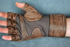real leather gloves with metal studs Tara Teen Titans, Captain America Cosplay, Gym Gloves, Shoe Art, Leather Gloves, Creative Inspiration, Leather Craft, Real Leather, Studs