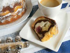 Tenhle recept jsem kdysi objevila v nějaké soutěži na internetu. Moje kamarádka Káťa o něm tvrdí, že tohle není bábovka, ale buchta mr... French Toast, Food And Drink, Pudding, Treats, Breakfast, Sweet, Desserts, Recipes, Cakes