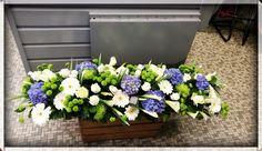 Commandez directement vos fleurs aux fleuristes locaux. Ici c'est Les Fleurs de Mûres qui vous propose une création originale à 226€ Raquette Avec hortensias, roses, Santini et arum en livraison autour de Montville https://www.coleebree.com/montville/les-fleurs-de-mures/bouquets?command=d27691f0-4fd0-4bc0-8189-dbbffc29ce9e