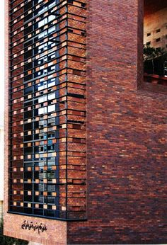 I'm not usually in brick as a building material, but the colours in this building are beautiful.
