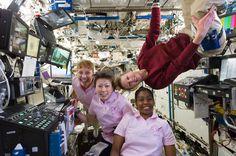 Celebrating International Womens Day. Vía #NASA  Espacio ciencia espacio foto nasa