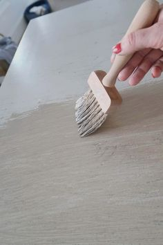 How-To Create the Pottery Barn Driftwood Finish - - Inexpensively using paint faux finishing create a driftwood gray wash inspired by Pottery Barn furniture. In just three colors makeover an old piece of furniture and make it coastal chic. Pottery Barn Hacks, Pottery Barn Furniture, Driftwood Furniture, Furniture Restoration, Paint Furniture, Repurposed Furniture, Furniture Making, Furniture Makeover, Furniture Design