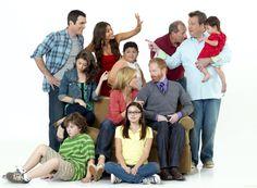 modern family cast | Modern Family - Season 2 - 2 New Cast Promotional Group Photos ...