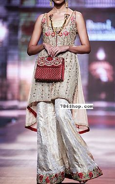 We have Pakistani/Indian Designer clothes online. Formal and Party Pakistani dresses. Buy Designer formal wear and wedding dresses. Pakistani Dresses Online Shopping, Pakistani Formal Dresses, Online Dress Shopping, Pakistani Designer Clothes, Pakistani Designers, Indian Designer Outfits, Fashion Clothes, Fashion Dresses, Clothes For Sale