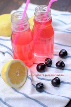 La Limonada Rosa con gas, es una bebida refrescante ideal para el verano, además es totalmente casera, no lleva colorantes. Solo necesitarás 4 ingredientes.