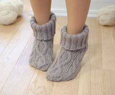 Slipper booties cable knit natural brown - Chunky woolen socks hand knitted by KnittedLT on Etsy