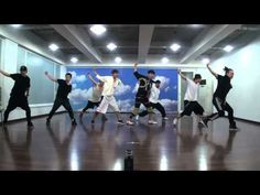 I love this song and the dancing! check out the video and you will be HOOKed!-TVXQ! 동방신기_Catch Me_Dance Practice (안무 연습 영상)