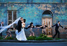 """""""Wedding in Melbourne"""" (2012), fotografia de Sally Newell.      Veja também:  http://semioticas1.blogspot.com.br/2014/08/nudez-e-arte-da-fotografia.html"""